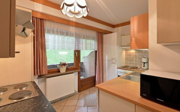 Appartements-Steindlhof-Schwendau-Dorf-161-Fam-Sporer-Appartement-2-Kueche-neu